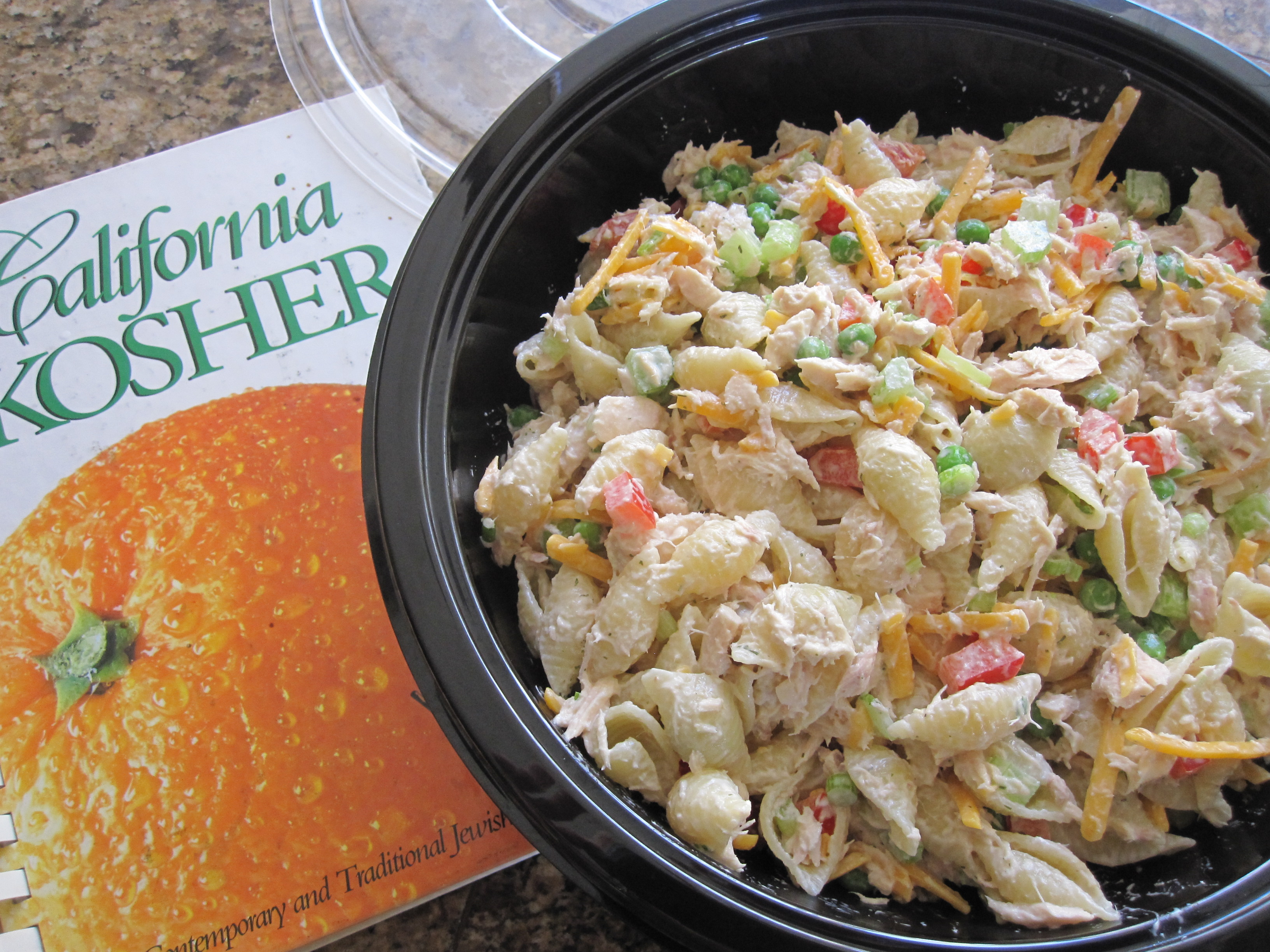 Tuna pasta salad with peas eat cook blog for Macaroni salad with tuna fish