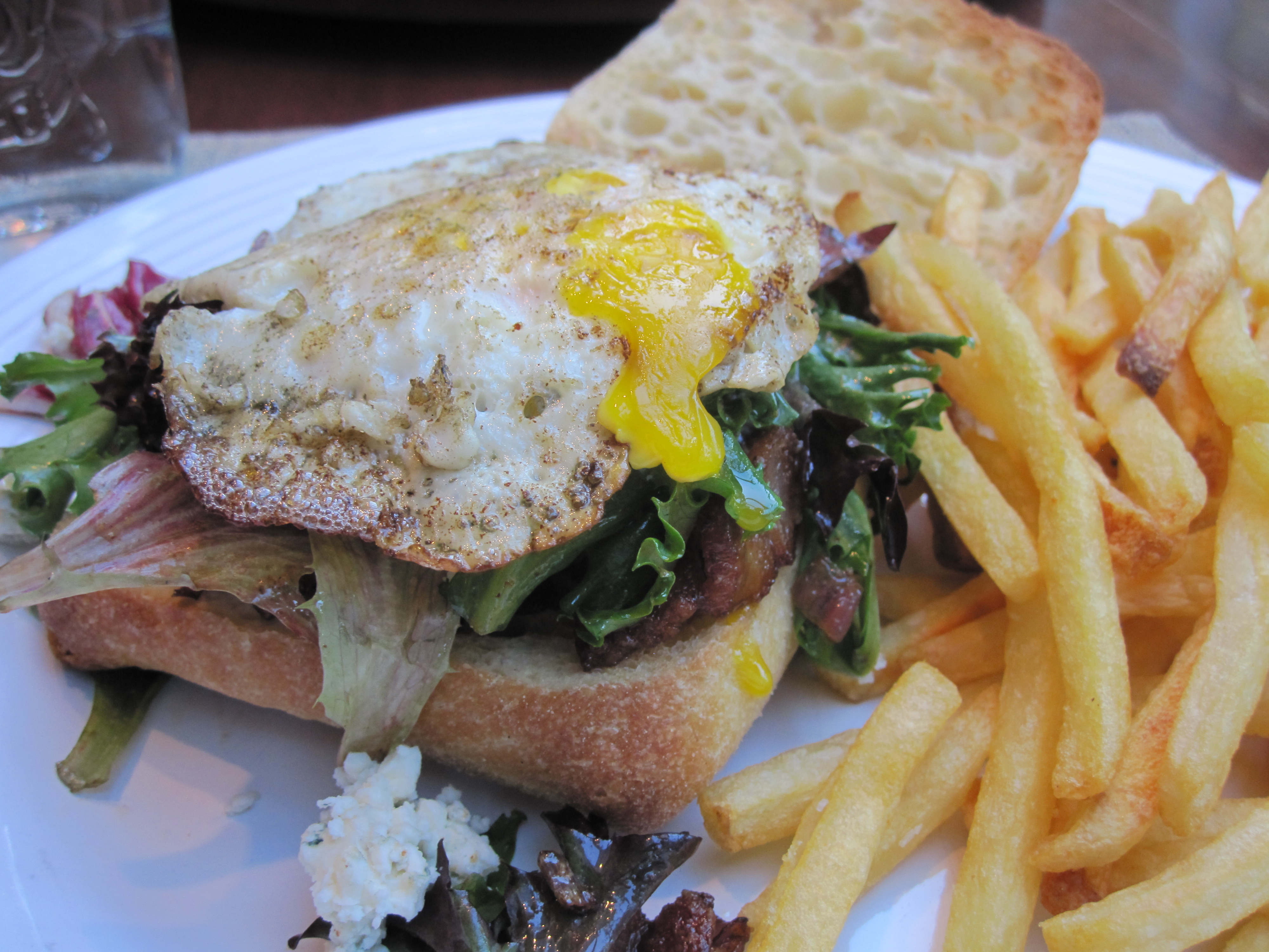 Fried Egg Sandwich with Bacon and Blue Cheese [Egg Sandwich Lyonnaise ...