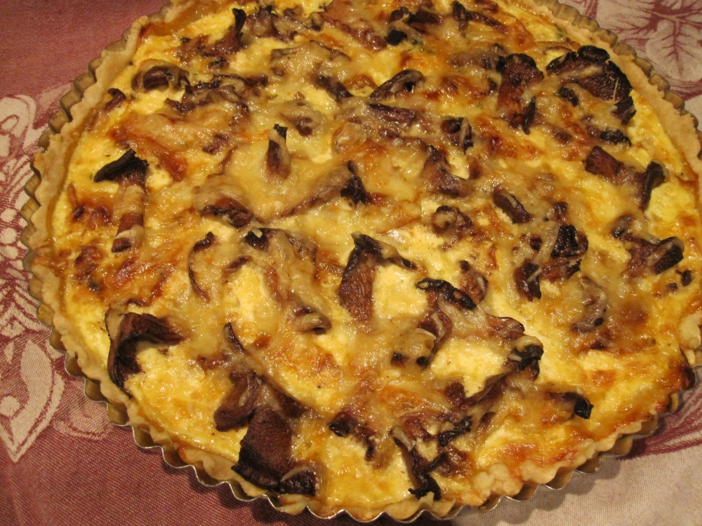 Caramelized Onion & Chanterelle Mushroom Tart (1/5)
